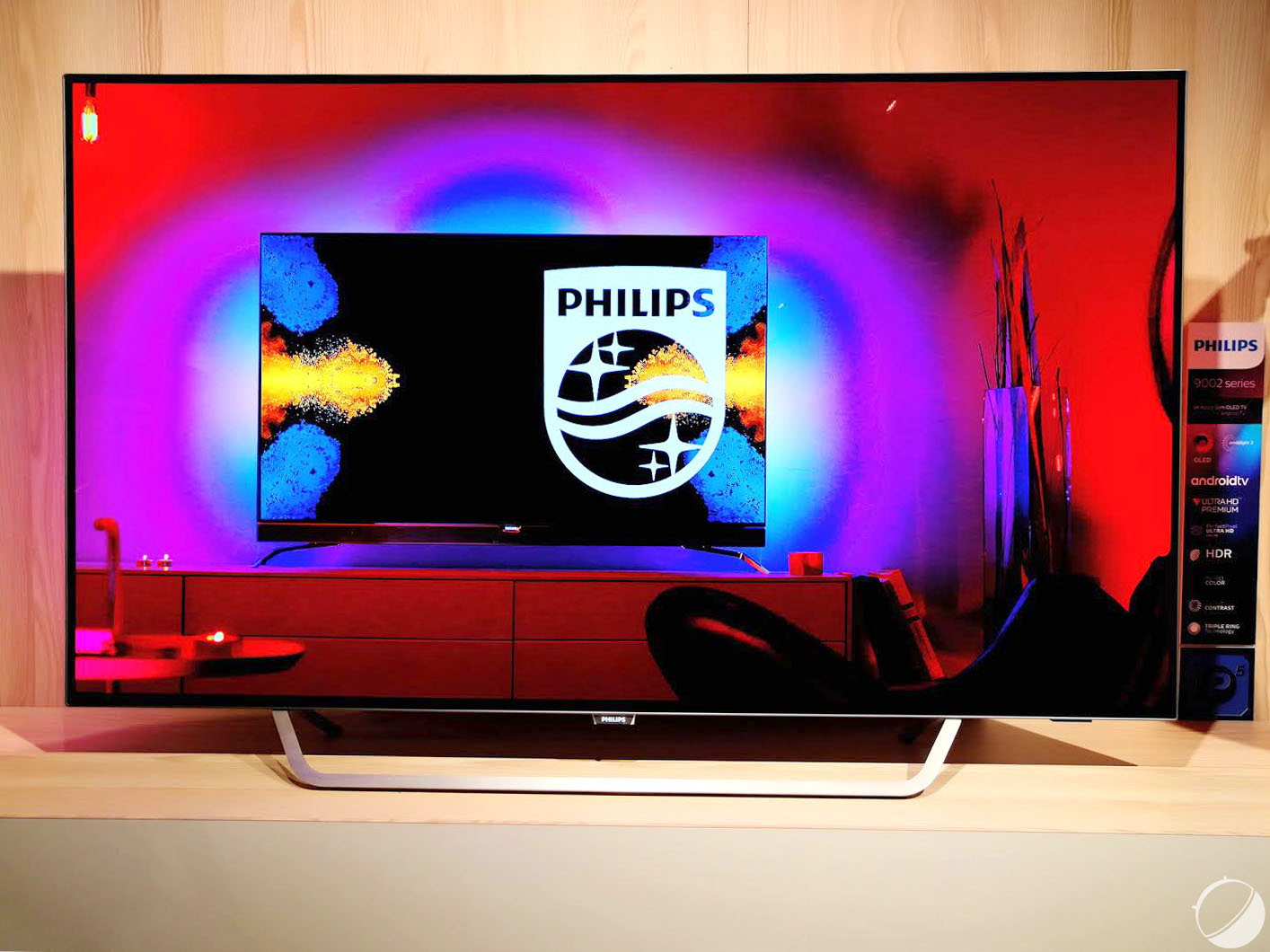 philips 55pos9002 tp vision renouvelle son oled sous android tv frandroid. Black Bedroom Furniture Sets. Home Design Ideas