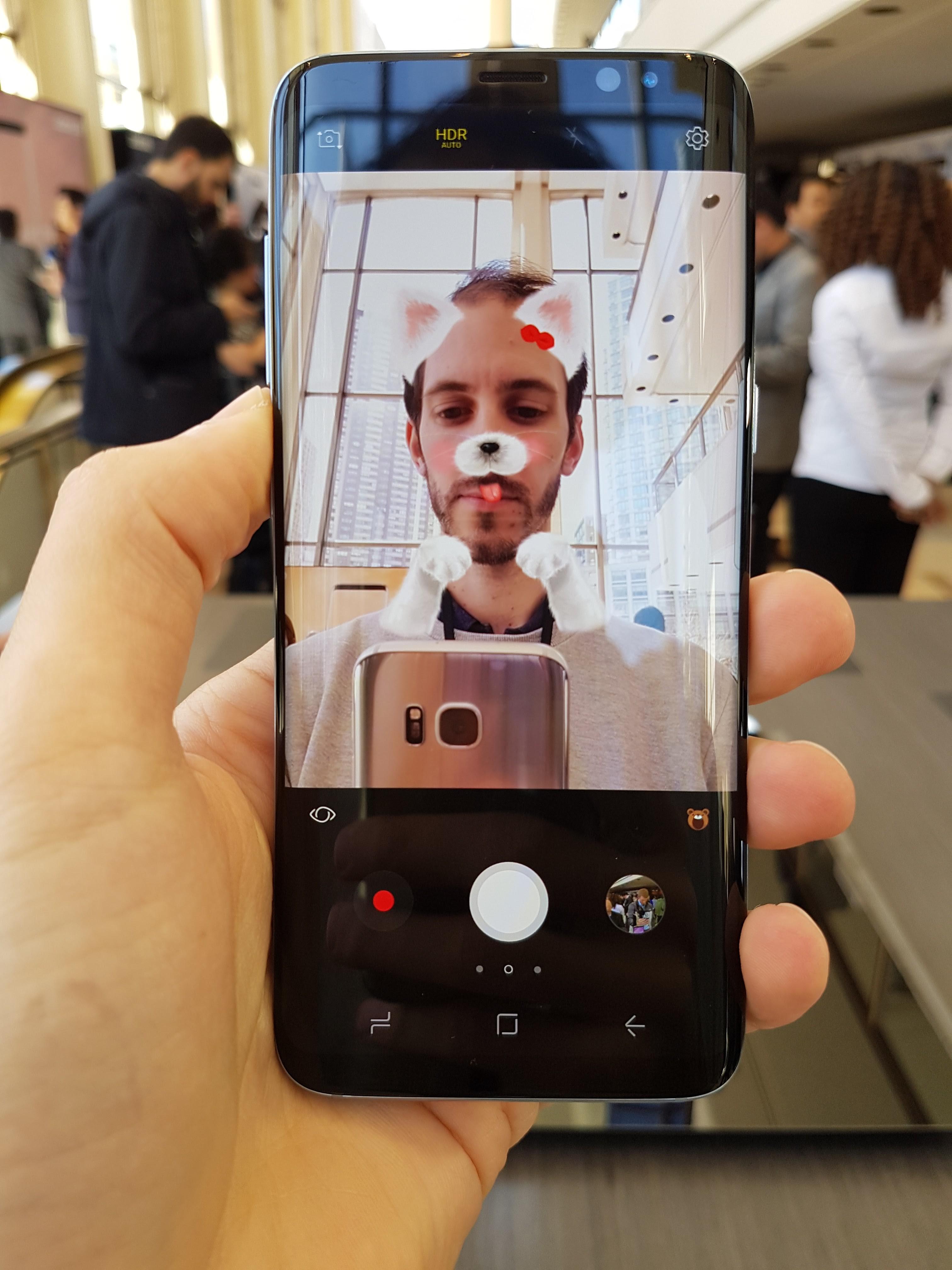 Samsung défie Snapchat avec des