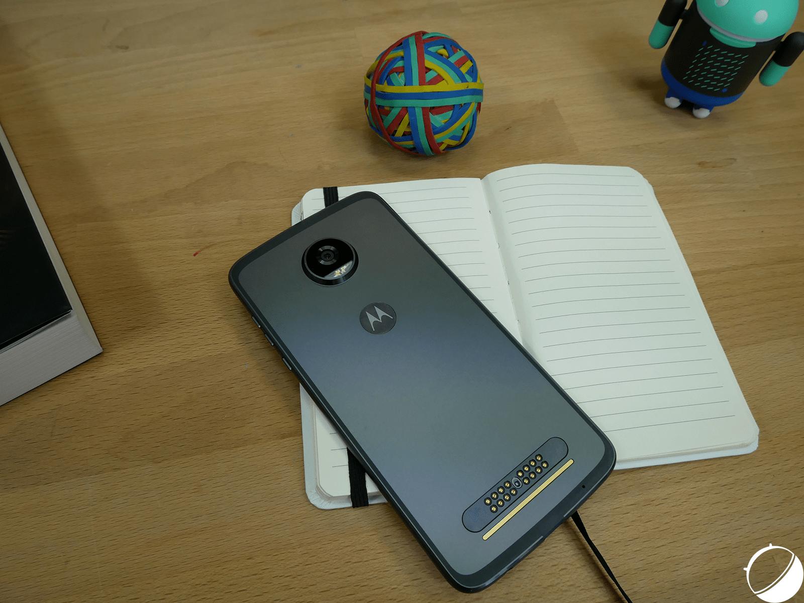 Les Motorola Moto Z3 Garderont Le M 234 Me Design Que Le Moto