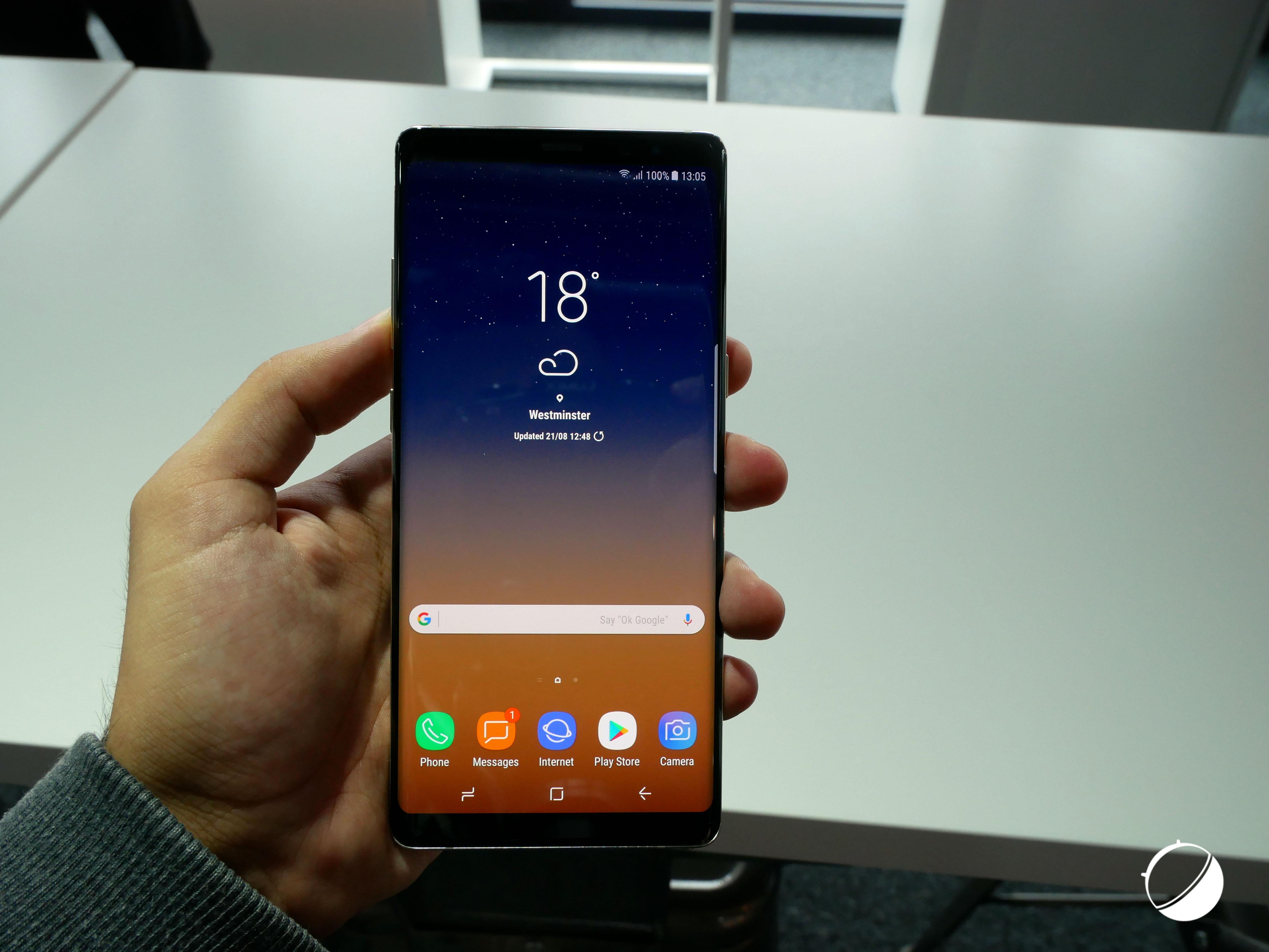 L 39 cran du samsung galaxy note 8 est incroyablement for Samsung photo ecran