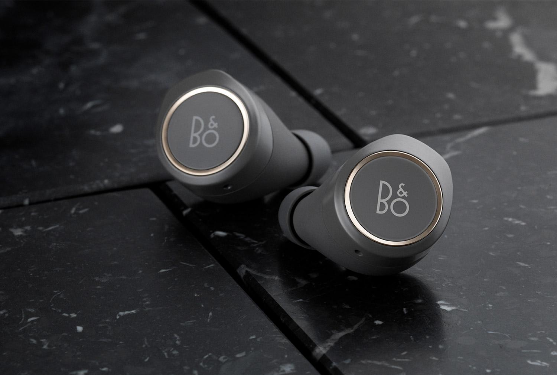 beoplay e8 nouveaux couteurs bluetooth premium chez b o frandroid. Black Bedroom Furniture Sets. Home Design Ideas