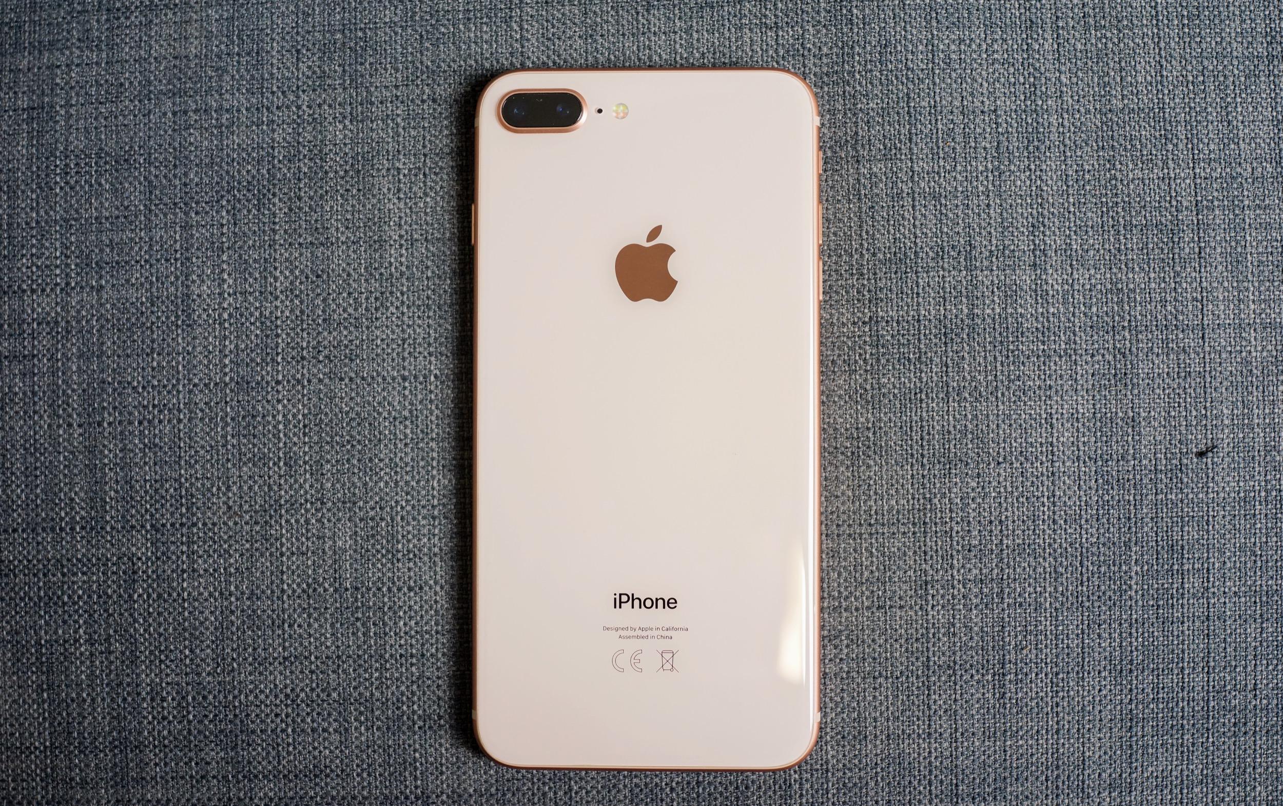 coque iphone 8 plus avec bordure argent