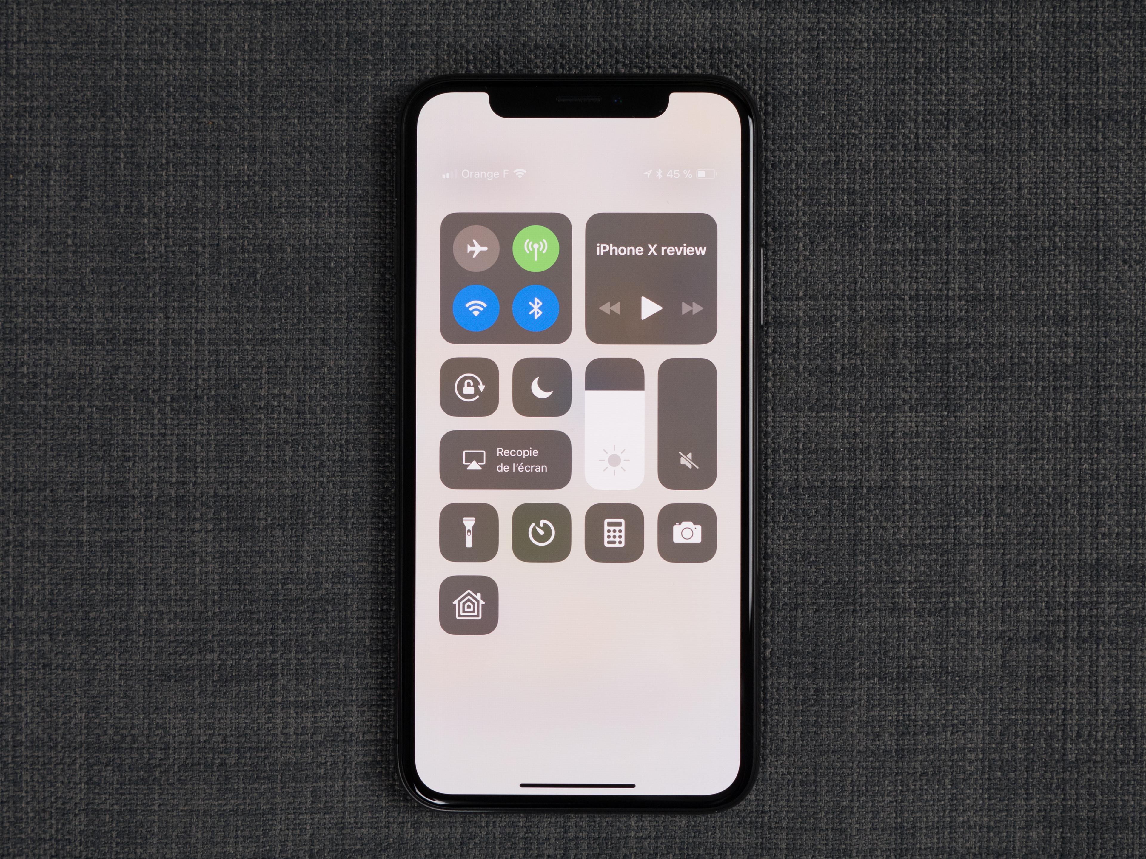 b9f3762bbed102 Depuis la sortie de l iPhone X, de plus en plus de constructeurs font le  choix de commercialiser leurs smartphones avec une encoche.