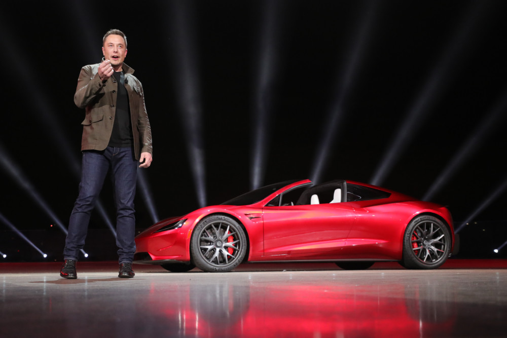 La Tesla Roadster présentée par Elon Musk.