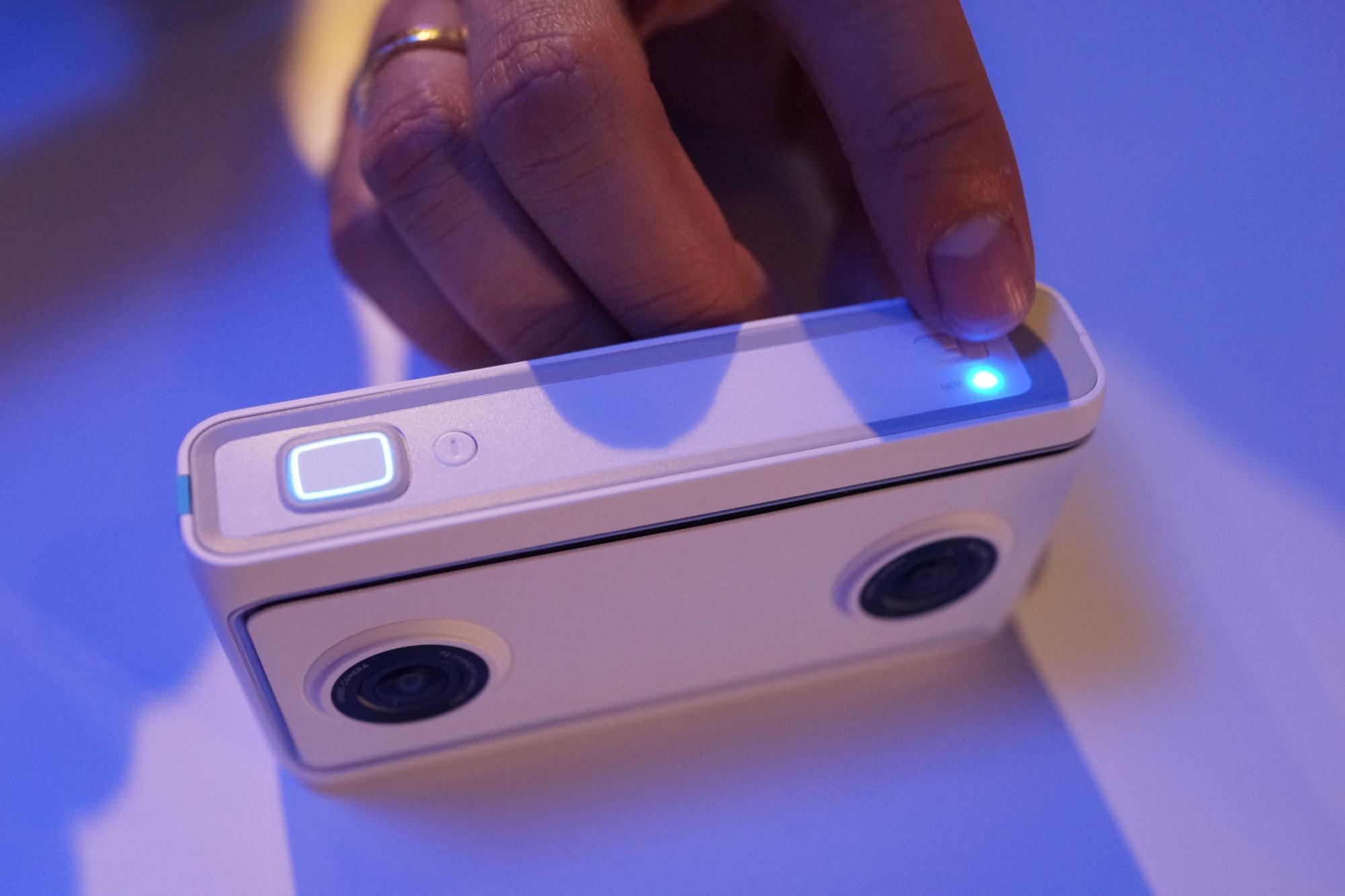 Mirage Solo : Lenovo y va aussi de son casque VR autonome