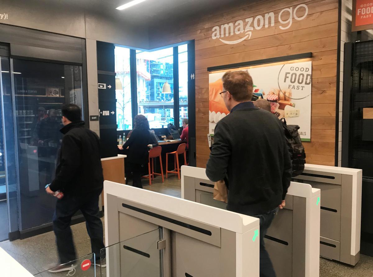 Amazon go le supermarch sans caissier ouvre ses portes for Amazon design shop