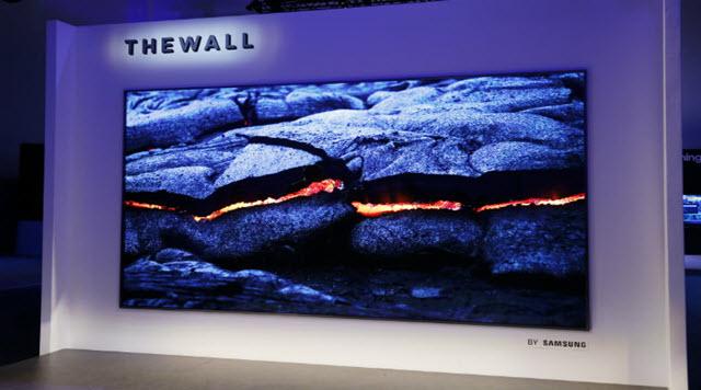 Un téléviseur de 146 pouces en 4K — Samsung The Wall