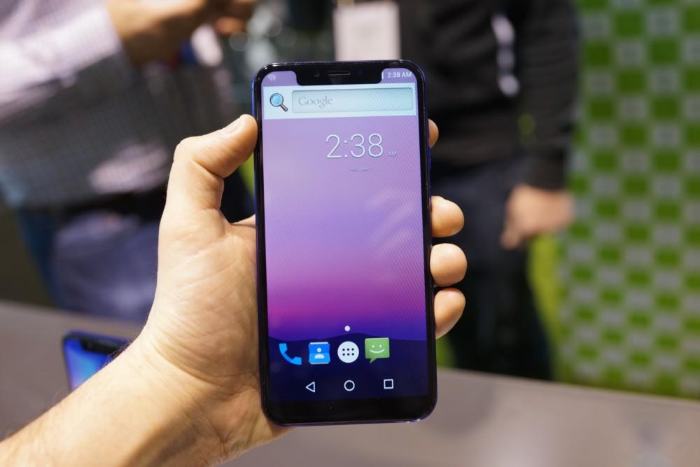 IPhone X በ Android ላይ ምርጥ እና መጥፎዎችን ያነሳሳል-የእኛ ምርጫ - MWC 2018 7