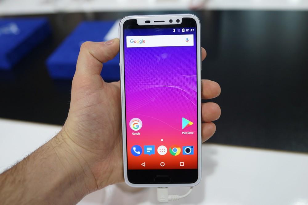 IPhone X በ Android ላይ ምርጥ እና መጥፎዎችን ያነሳሳል-የእኛ ምርጫ - MWC 2018 8