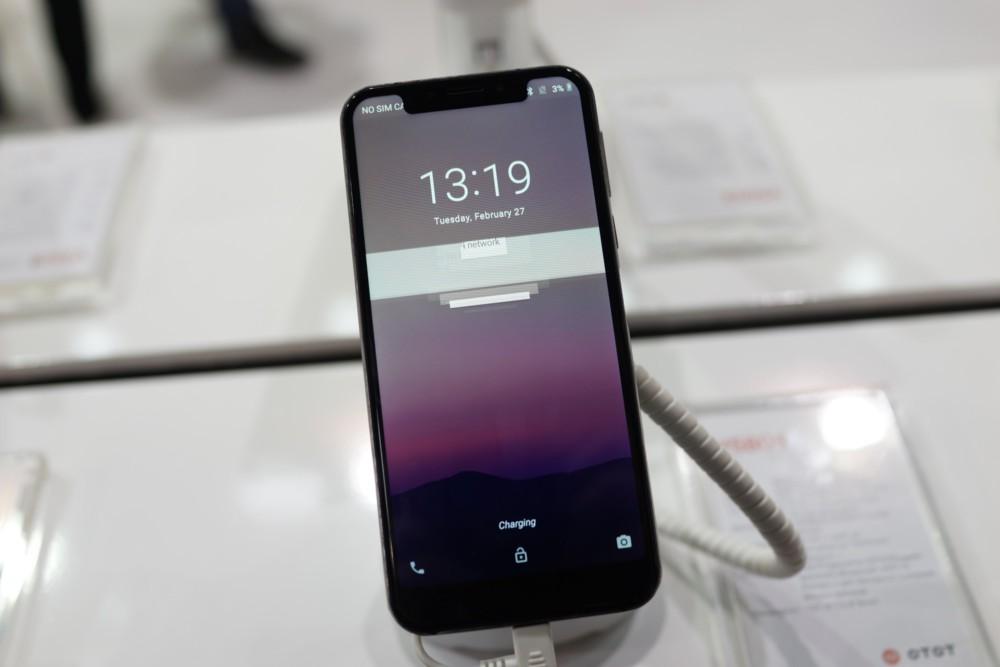 IPhone X በ Android ላይ ምርጥ እና መጥፎዎችን ያነሳሳል-የእኛ ምርጫ - MWC 2018 12