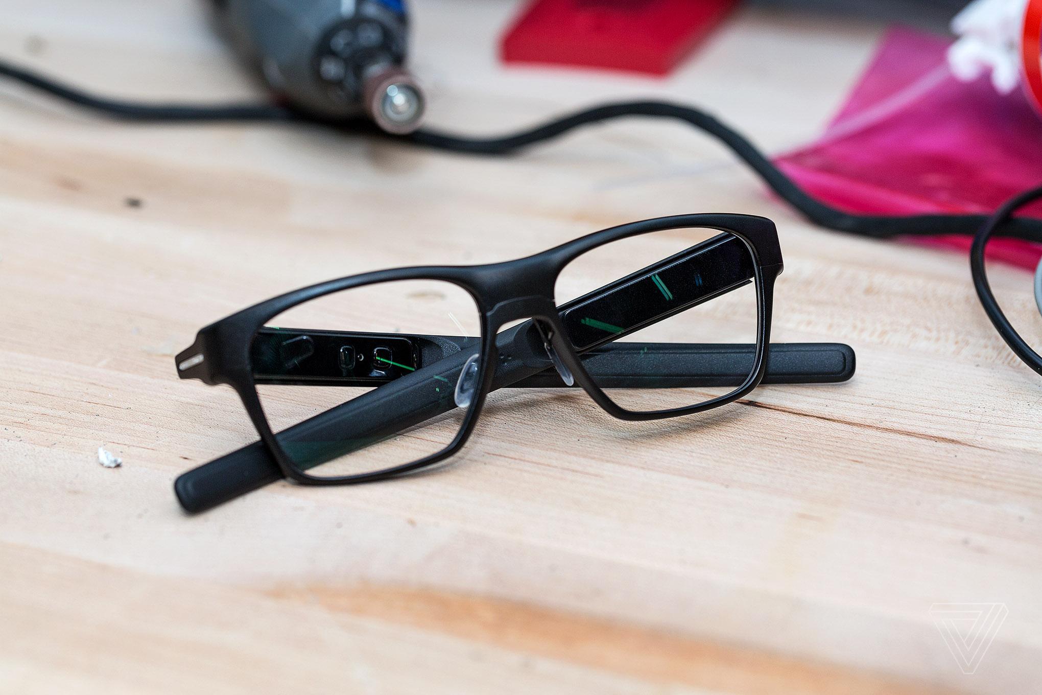 Les lunettes connectées d'Intel ressemblent… à des lunettes