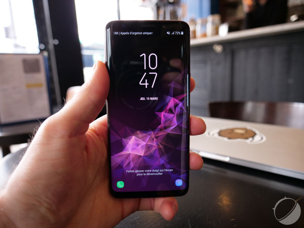 Image rare d'un smartphone pouvant être entièrement utilisé à une main