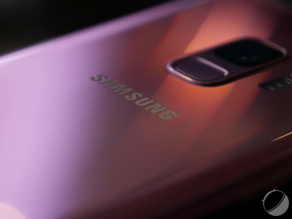 Le Samsung GalaxyS9 violet