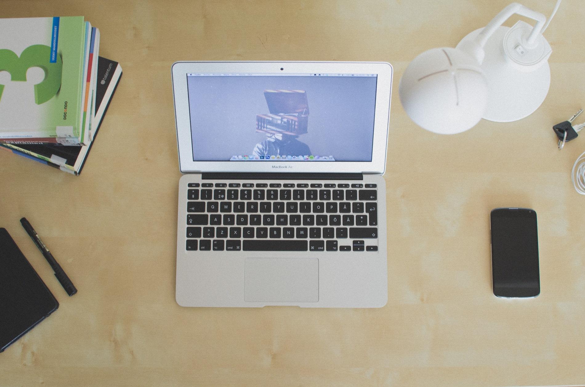 Le Mac Book Air et son design de 2010. Crédit: Aleksi Tappura