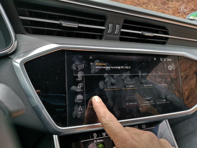 analyser retours écran en vitrine