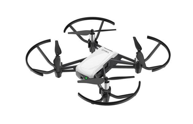Le DJI Ryze Tello est le drone parfait pour débuter avec vos premières séances de vol. Il est aujourd'hui disponible à 80 euros en utilisant le code promo GBJKTellosur GearBest, soit une réduction d'une trentaine d'euros en comparaison de son prix d'origine.
