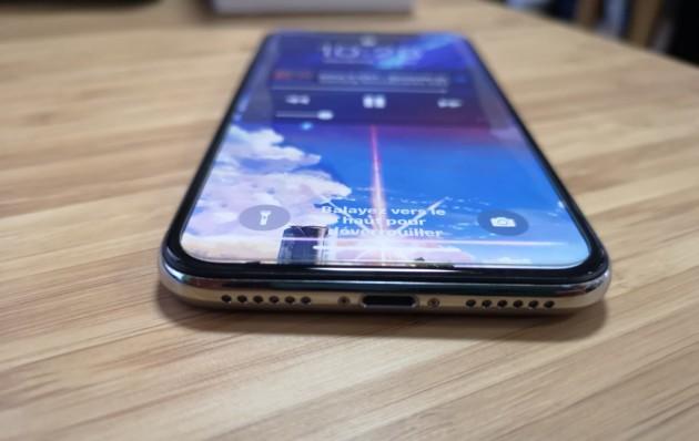 Le port lightning de l'iPhone X
