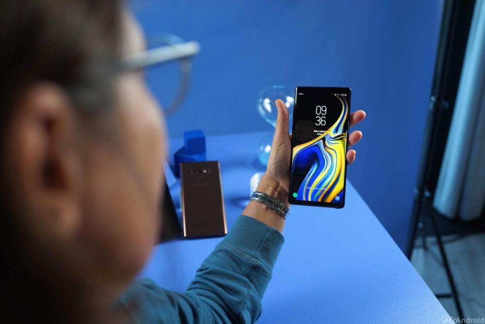 Le Galaxy Note9 est très grand en main