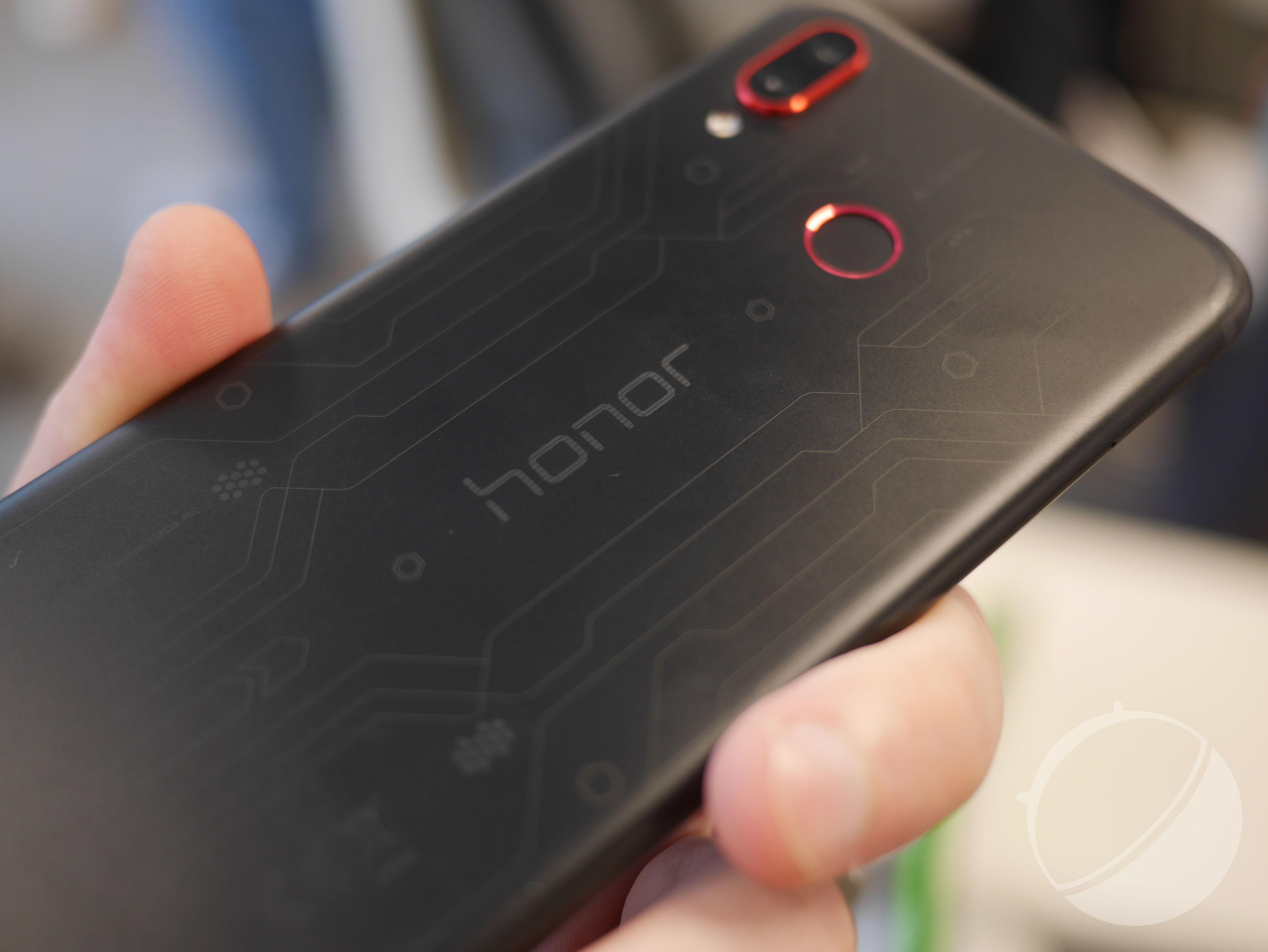 Honor Play : le smartphone orienté gaming est à 329 euros en