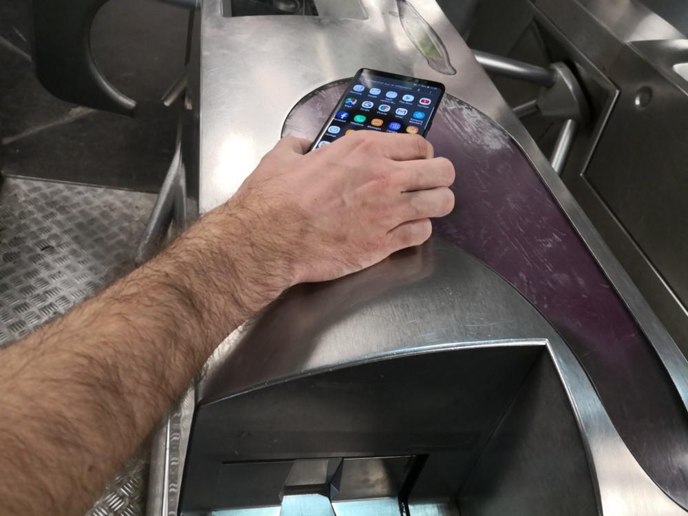 Tickets de métro à Paris: un pas de plus vers la dématérialisation sur smartphone