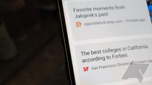Une belle ligne jaune sur le bord de l'écran. Crédit : Android Police
