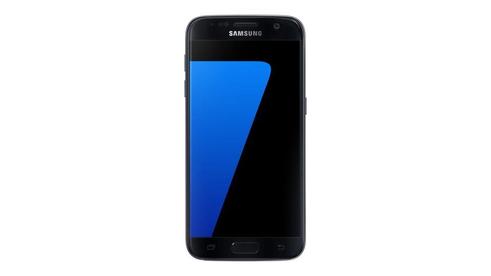 965efce25a7a60 Bien qu il soit un flagship de 2016, le Samsung Galaxy S7 est encore une  bonne alternative aux smartphones entrée milieu de gamme actuel. Cdiscount  propose ...