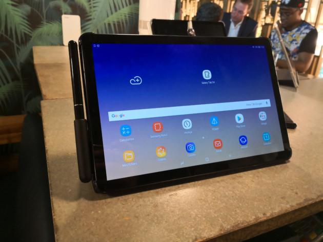 Samsung Galaxy Tab S4 officialisée : mode DeX natif, design épuré… Voici nos photos de la tablette