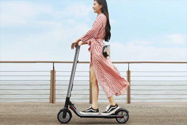 Retour sur la patinette, version XXIe siècle, avec une batterie et un  moteur pour avaler les kilomètres. 1f58e0ab3b4c