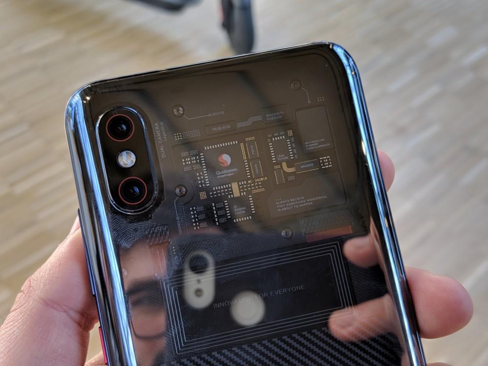 Prise en main du Xiaomi Mi 8 Pro, il va bel et bien sortir en France !