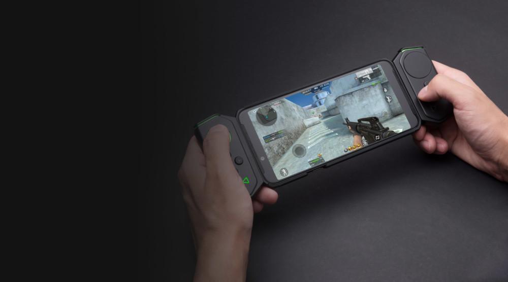 Xiaomi Black Shark Helo : le premier smartphone avec 10 Go de RAM est là… et il brille dans le noir