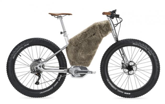 «Une fourche suspendue monobras sur un vélo électrique? Le MASS Starck Bike Snow en disposait».
