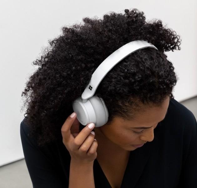 Surface Headphones : le premier casque Bluetooth de Microsoft s'attaque directement à Bose et Sony