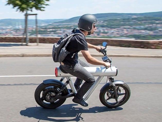 Pocket Rocket : une «roquette» en guise de châssis pour un scooter électrique inouï