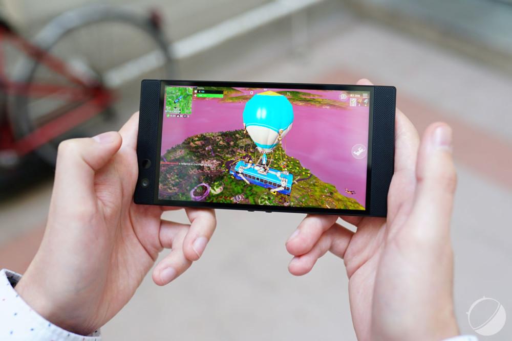 Test du Razer Phone 2 : le meilleur écran LCD de 2018, hélas