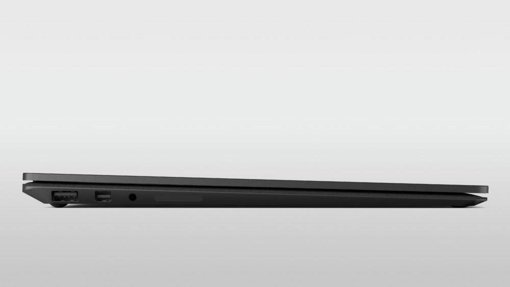 La légèreté et la finesse des PC — ici un Surface Laptop2 — sont des critères importants à prendre en compte au moment de l'achat d'un PC étudiant.