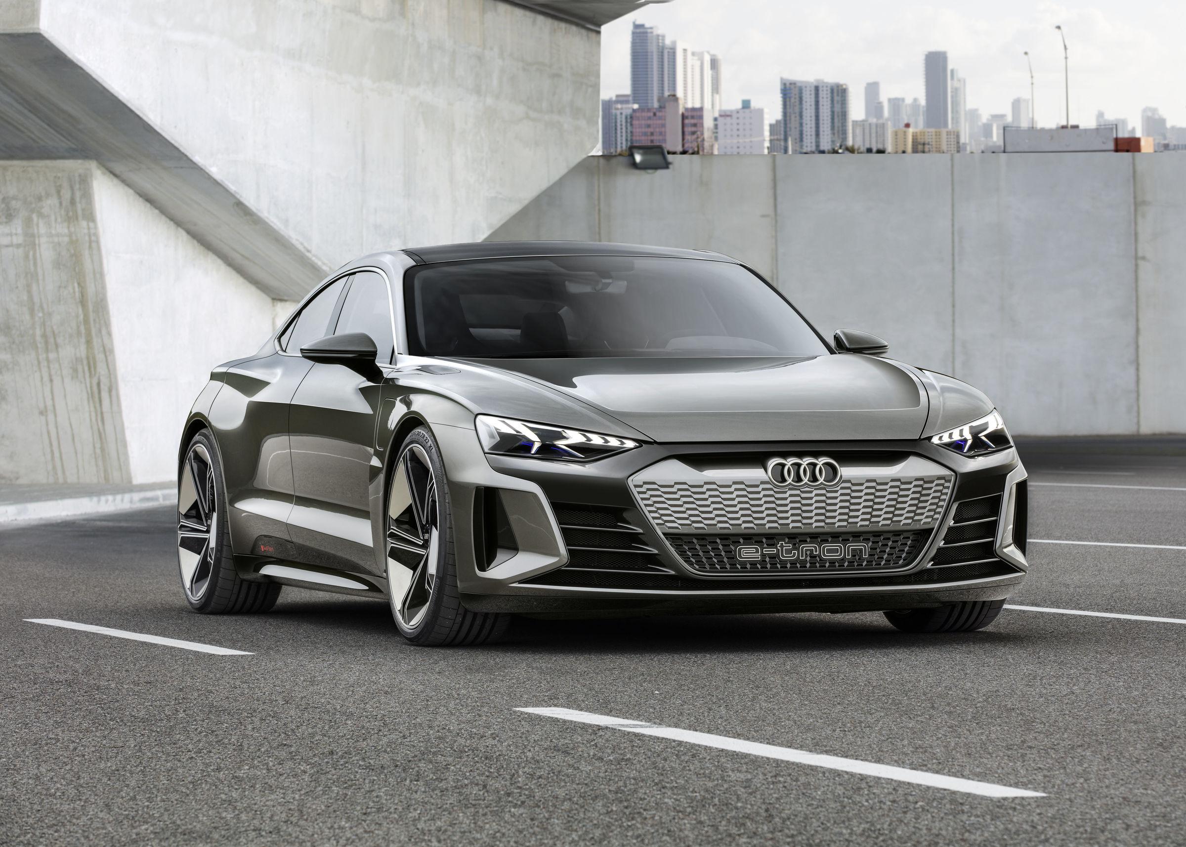L'Audi e-tron GT Concept préfigure la future sportive 100% électrique de la firme aux Anneaux.
