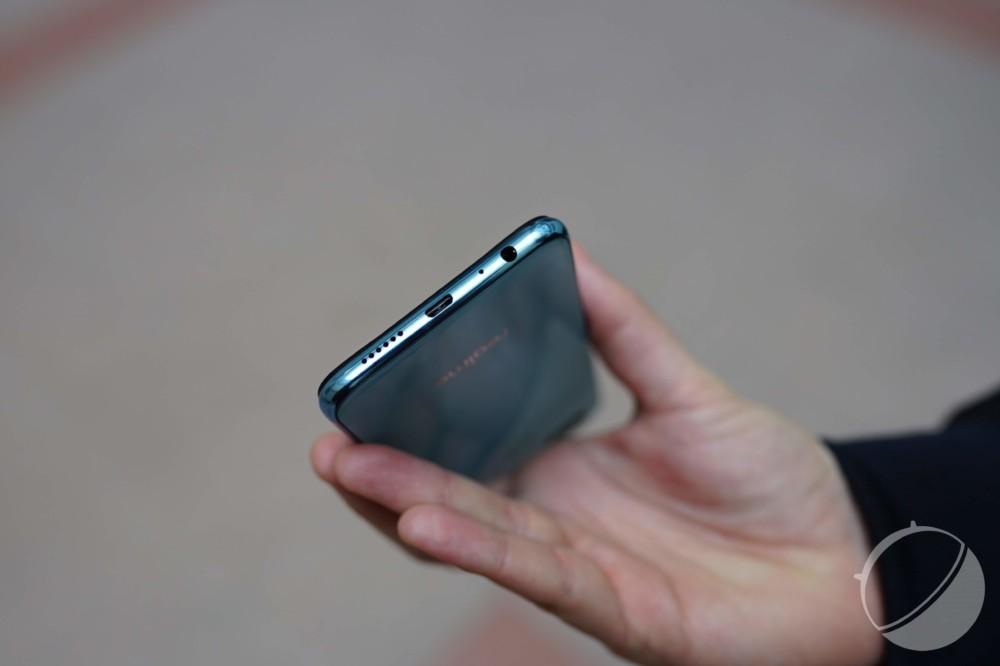 Le Realme2 Pro bénéficie d'une prise micro-USB et d'une sortie casque