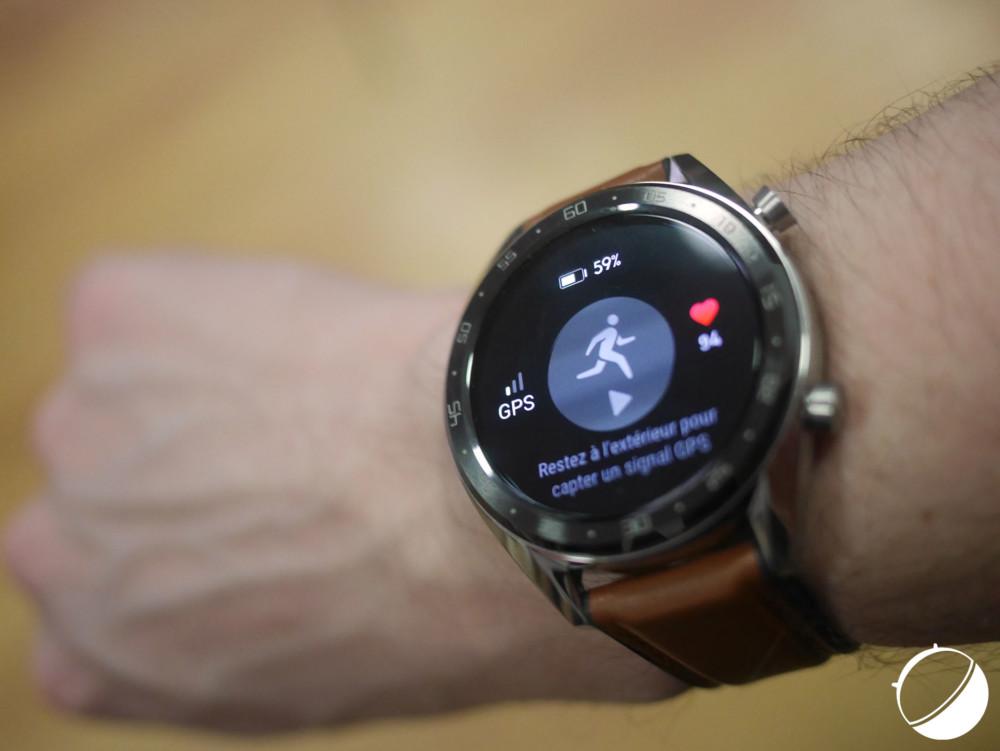 La Watch GT peut mettre une trentaine de secondes avant d'être géolocalisée par GPS
