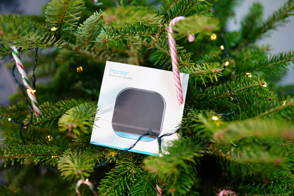 Noël approche, ainsi que les cadeaux qui vont de pair avec cette fête. À cette occasion, Honor vous propose de gagner pas moins de cinq enceintes Bluetooth. Découvrez comment participer à ce jeu concours.