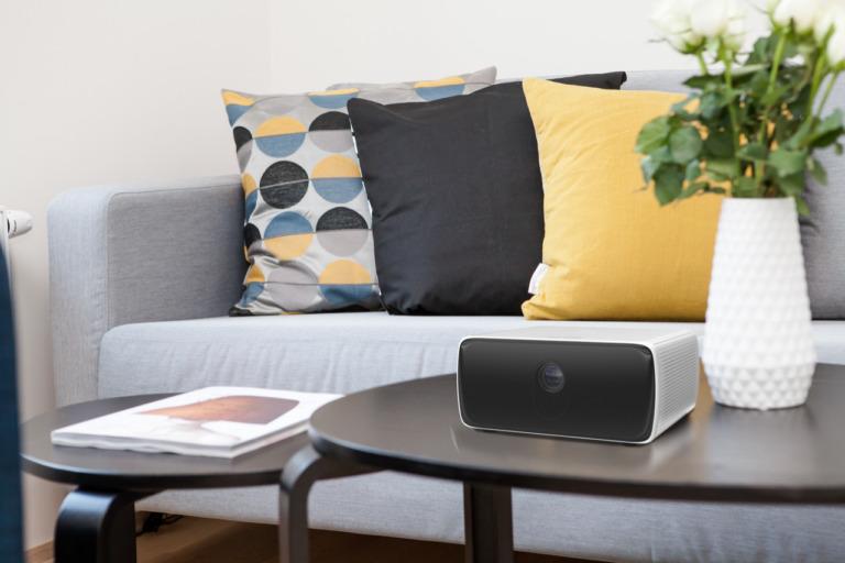 Philips dévoile des vidéoprojecteurs Screeneo S à courte focale sous Android