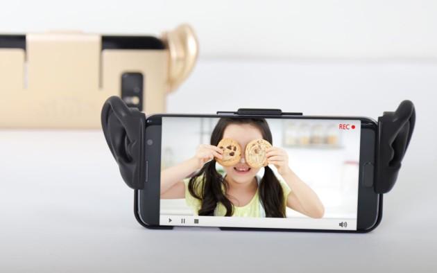 Ce n'est pas une blague : Samsung a mis des oreilles sur une coque pour enregistrer de l'ASMR
