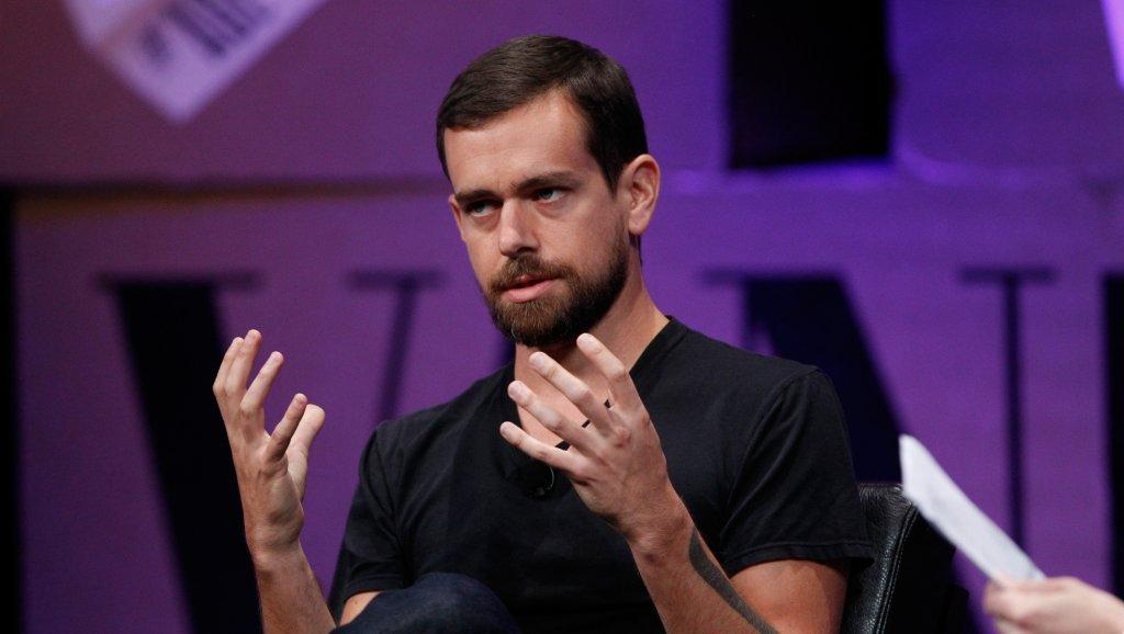 Le patron de Twitter pourrait activer la modification de tweet… mais évoque une condition ridicule