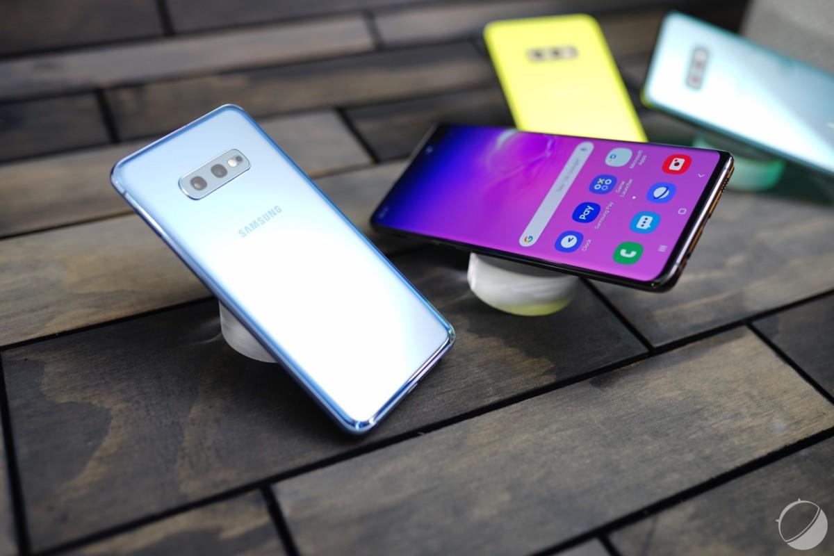 Le Samsung Galaxy S10e intègre deux caméras à l'arrière, un port casque, du microSD et du double SIM