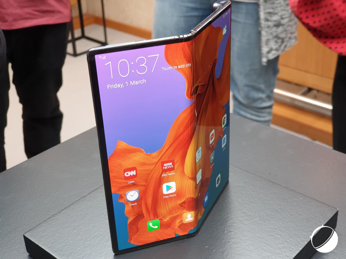 Le Huawei Mate X se rapproche lui aussi comme le prouve Richard Yu