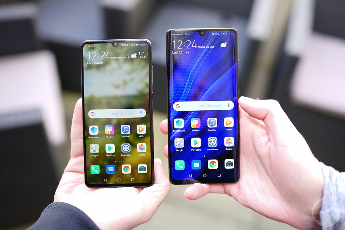 Le HuaweiP30 à gauche, le P30 Pro à droite.
