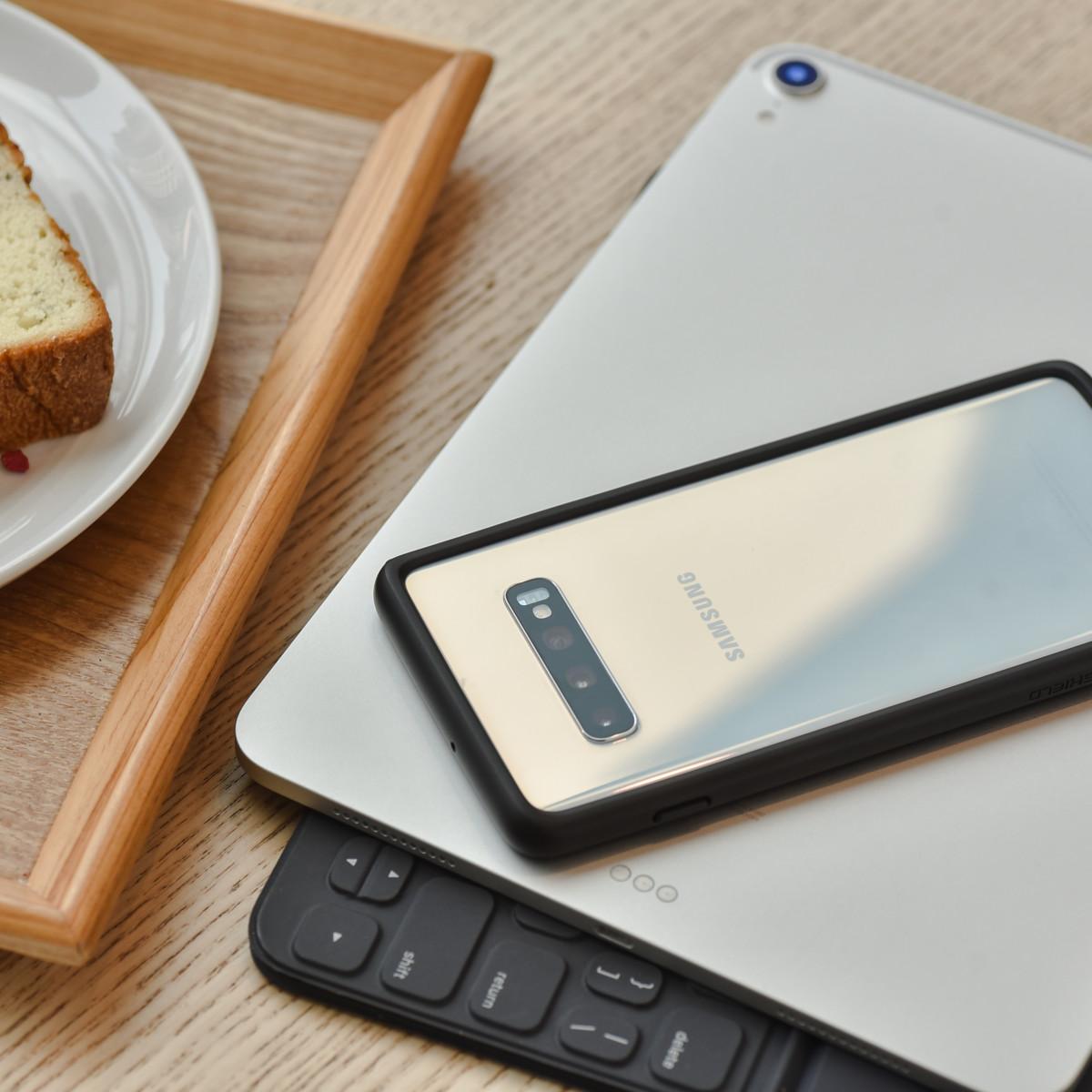 Le CrashGuard, sur un Samsung Galaxy S10.