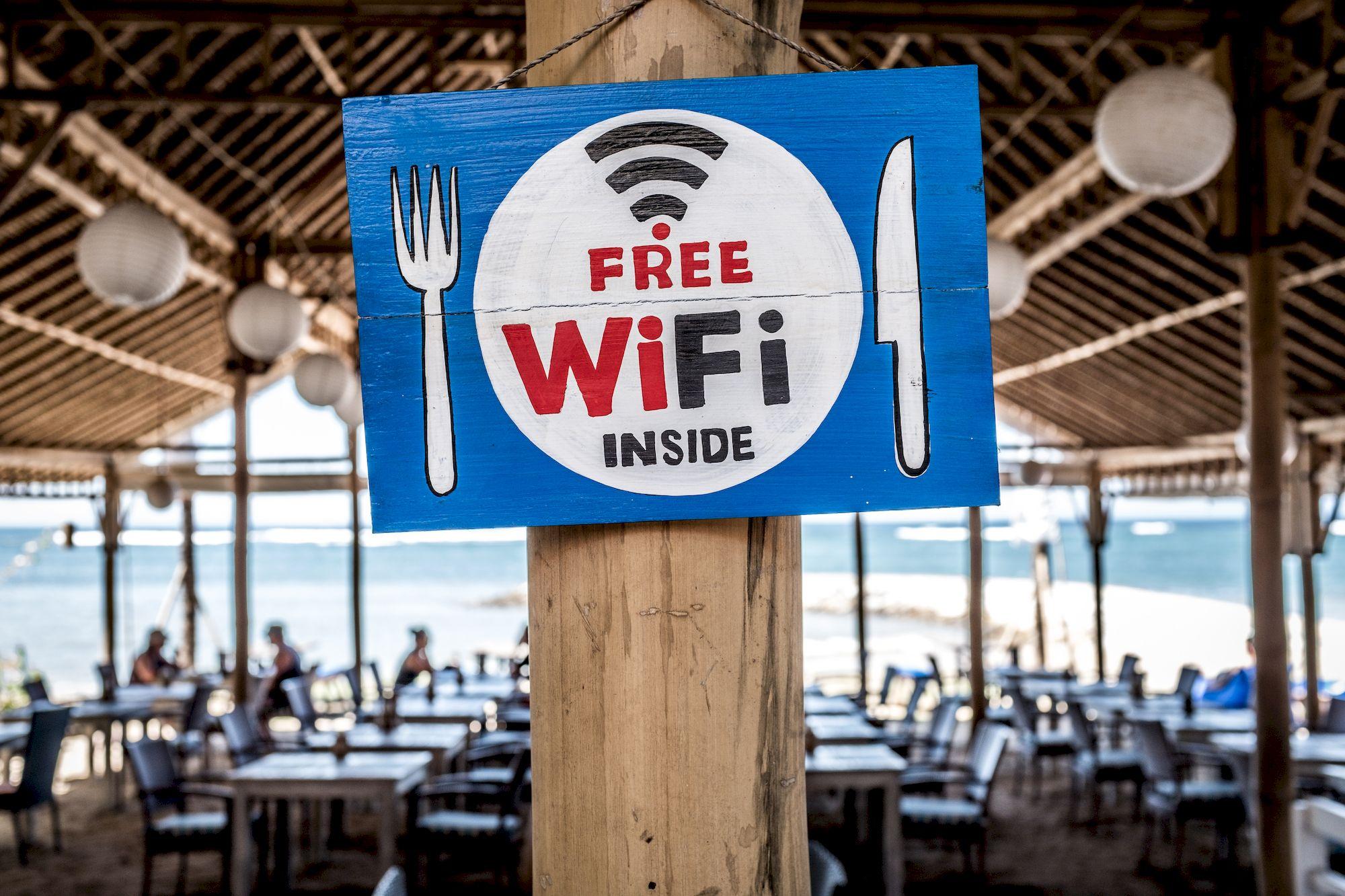 Pourquoi les WiFi publics sont-ils réputés aussi peu sûrs pour vos données ?