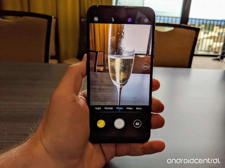 honor 20 pro, Honor 20 Pro : Le smartphone se dévoile avant l'heure