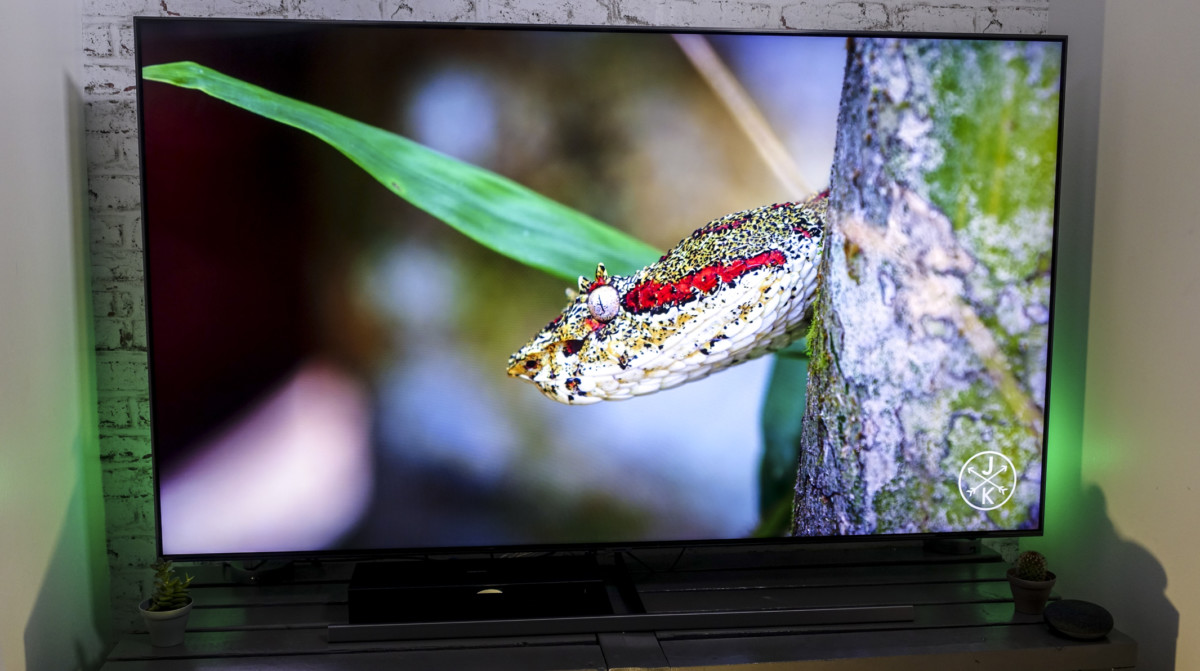 Le Samsung QE65Q85R et son écran QLED.