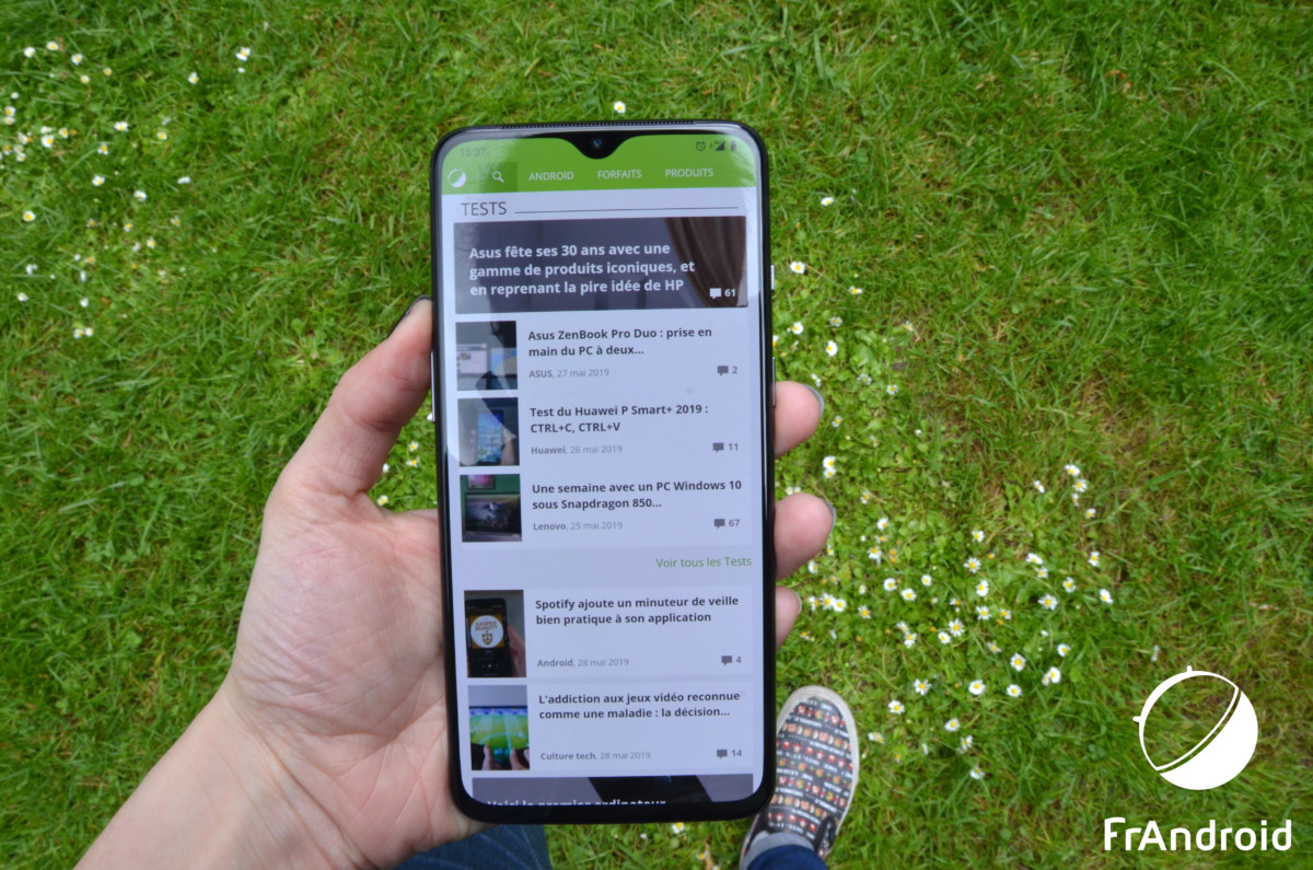 OnePlus7 à une main